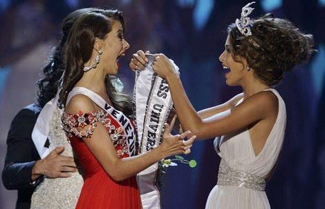 Мисс Вселенная 2009 и Мисс Вселенная 2008